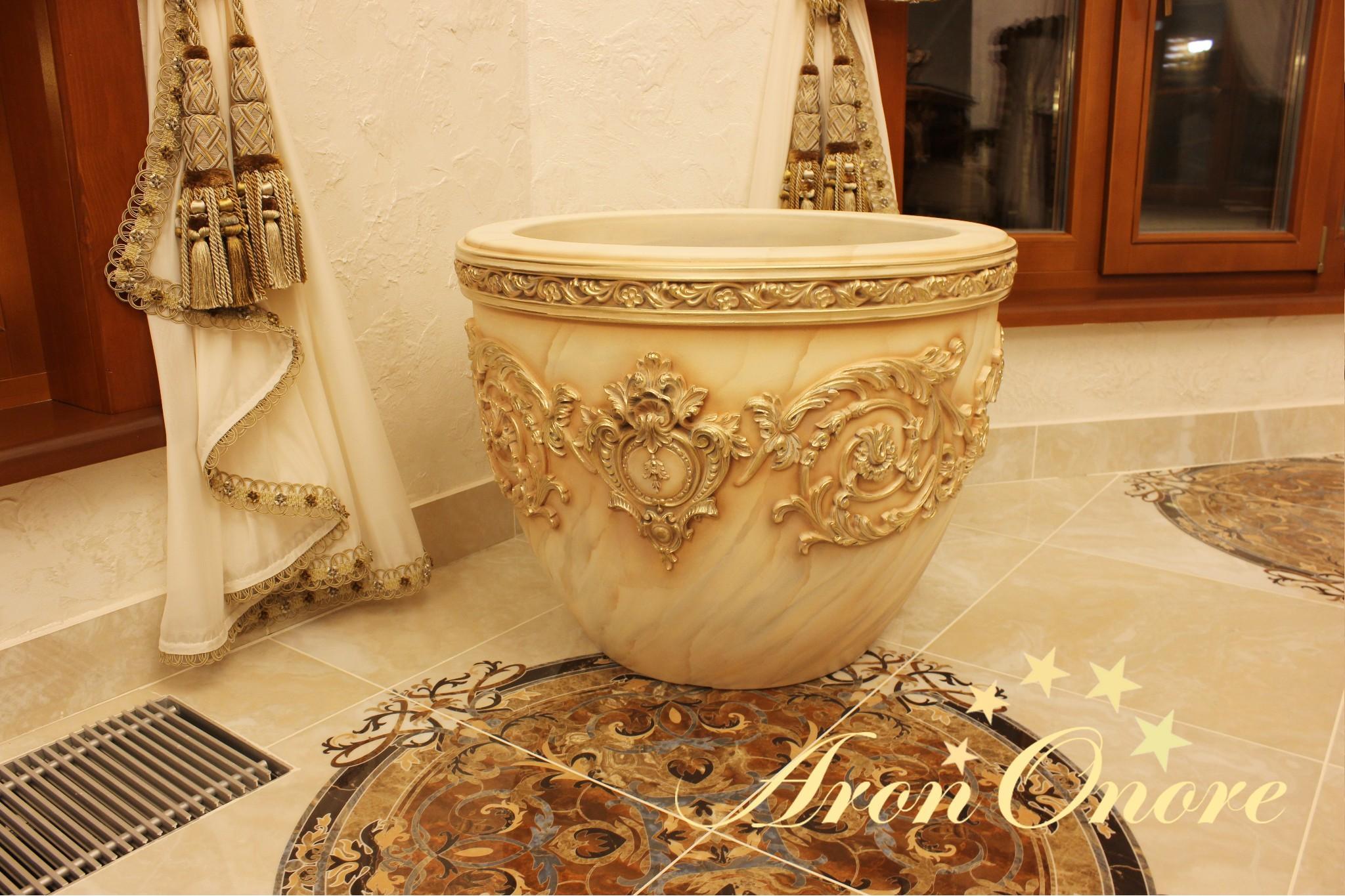 декорирование ваз с золочением от Арона Оноре