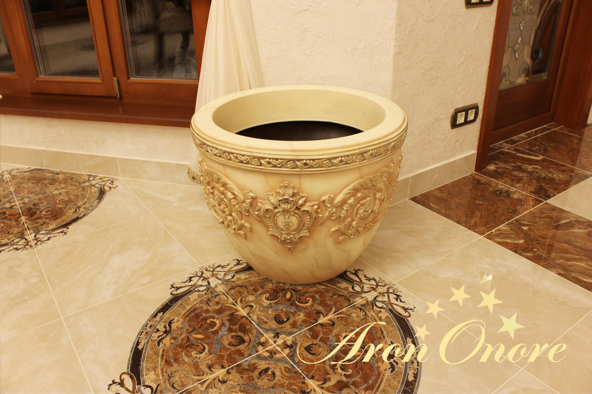 декорирование ваз с позолотой от Арона Оноре