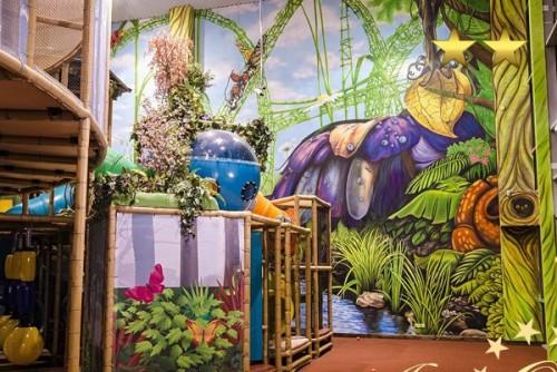 Художественное оформление стен в развлекательном центре «Тропа приключений»