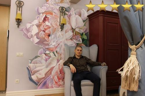 Роспись стен в квартире студии Пионы, по образу художника Томаса Дарнелла