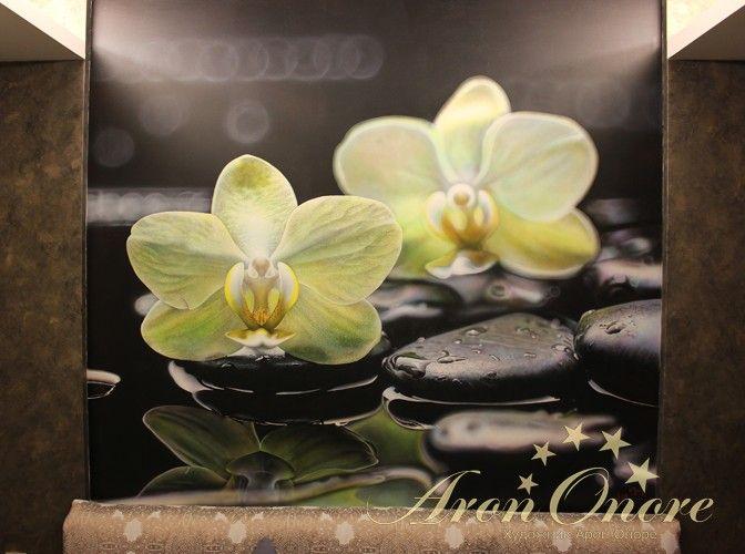 3D-картинка на стене с изображением цветов на камне