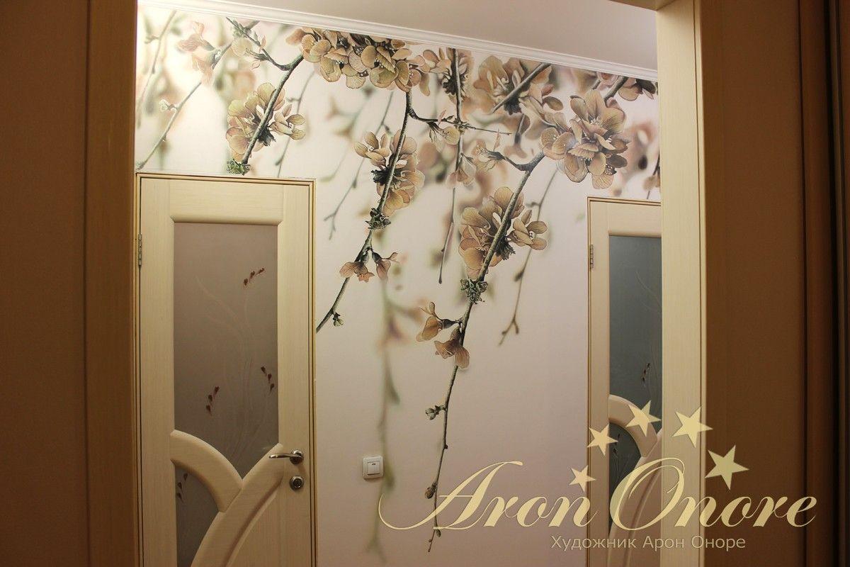 Готовая работа росписи на стене цветы вишни
