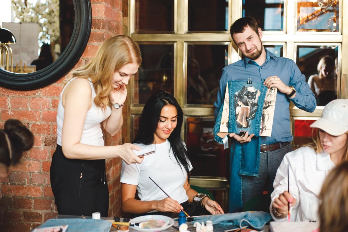 Яна Карпик мастер класс по росписи одежды