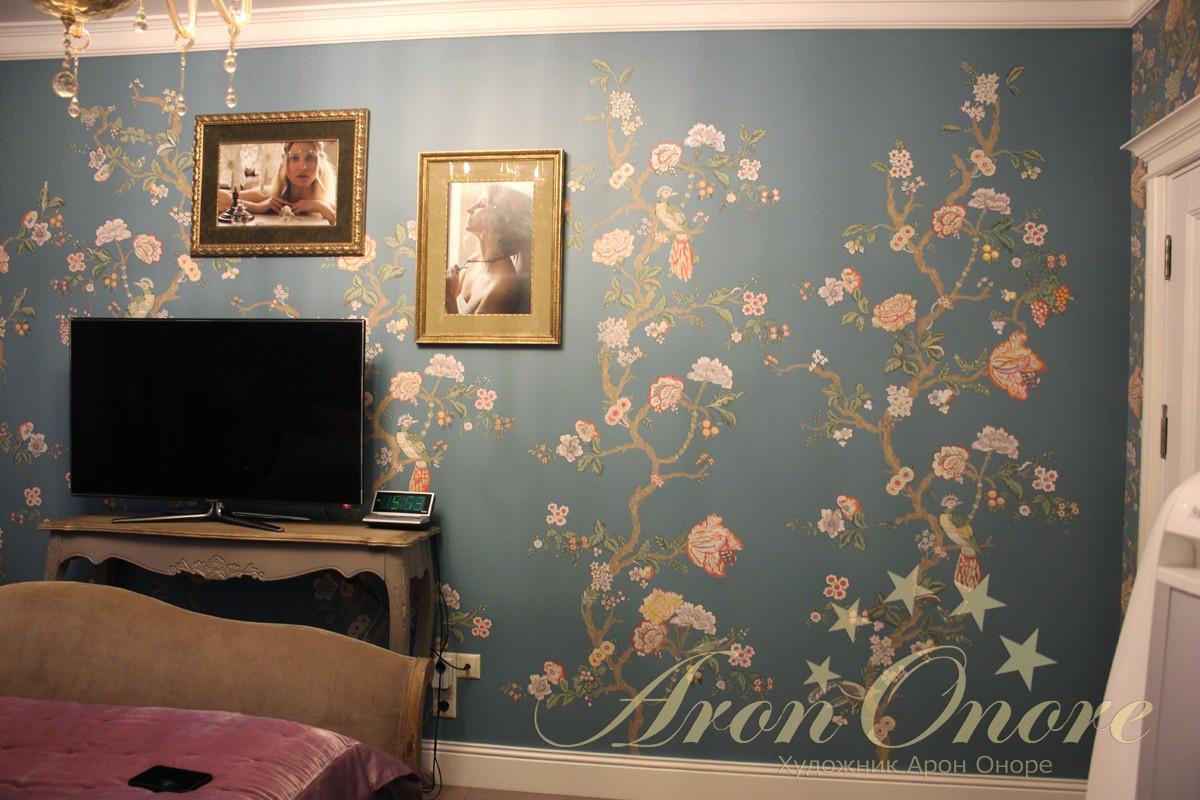 красивая роспись на стене орнамент