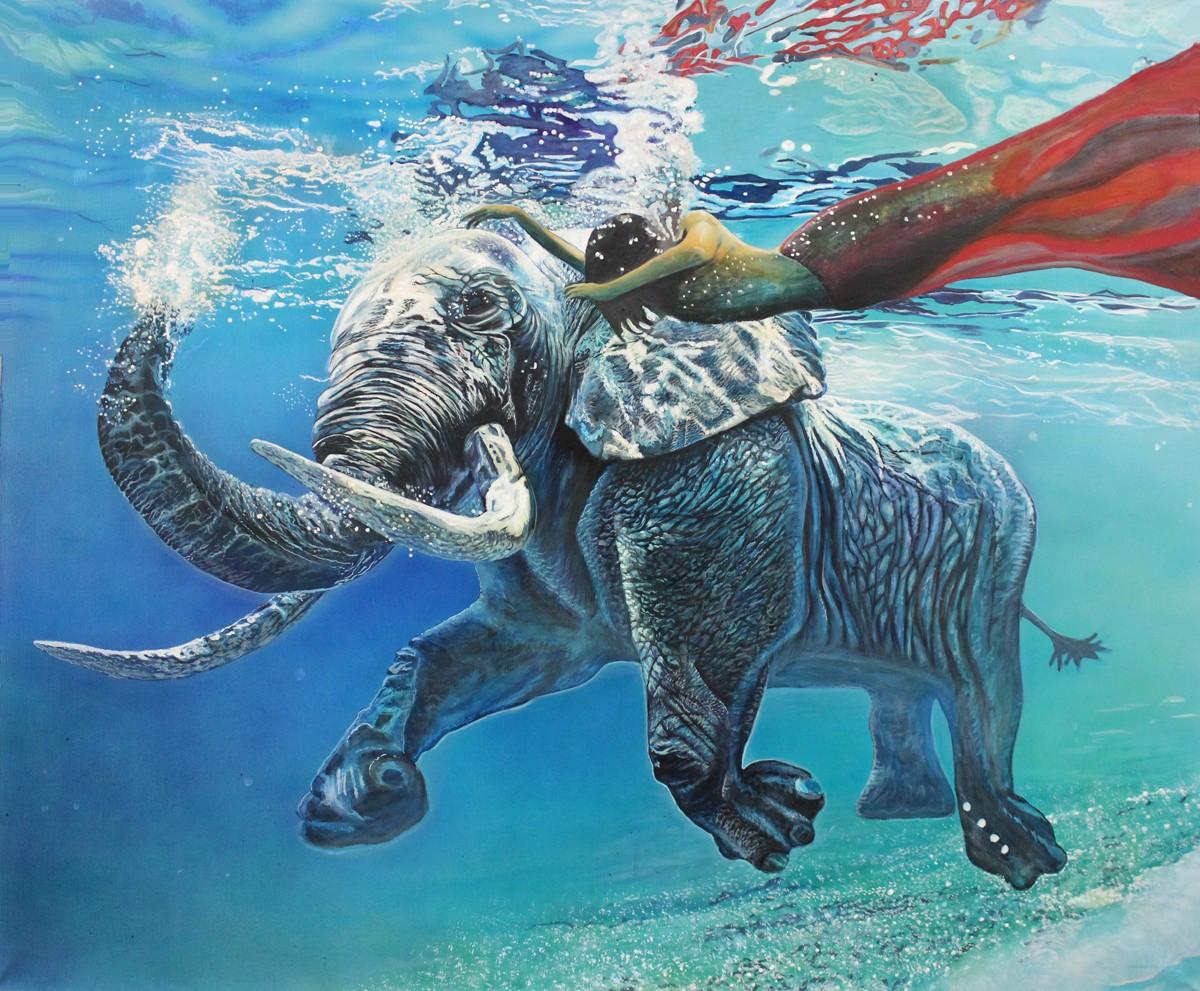 девушка под водой слон