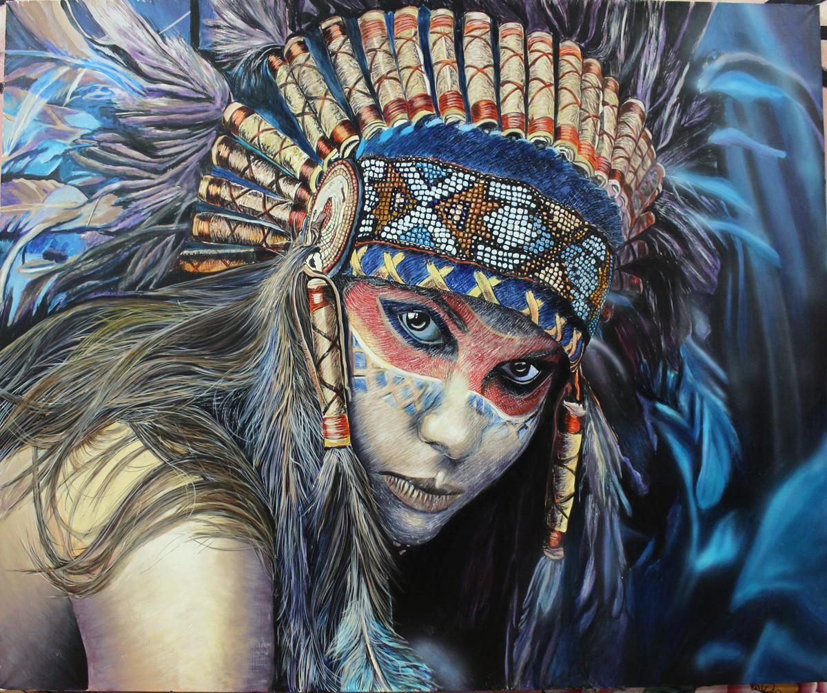 Девушка с перьями